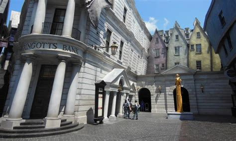 The Wizarding World of Harry Potter Diagon Alley: The