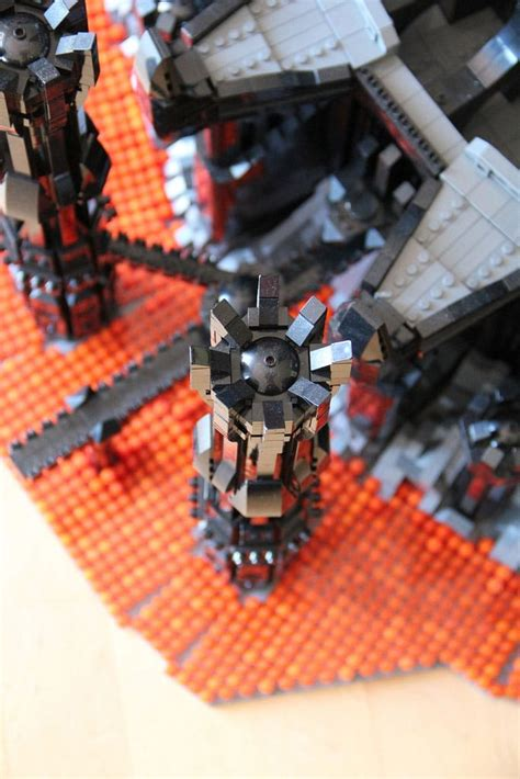 Epic Sauron Tower Recreated With 50,000 Lego Blocks | Bit