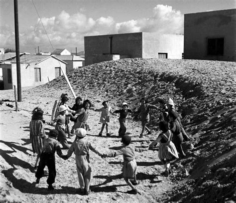 Dramatic Pictures From The Early Days Of Israel: The