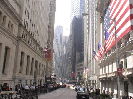 pictures of Wall Street and the Manhattan Financial